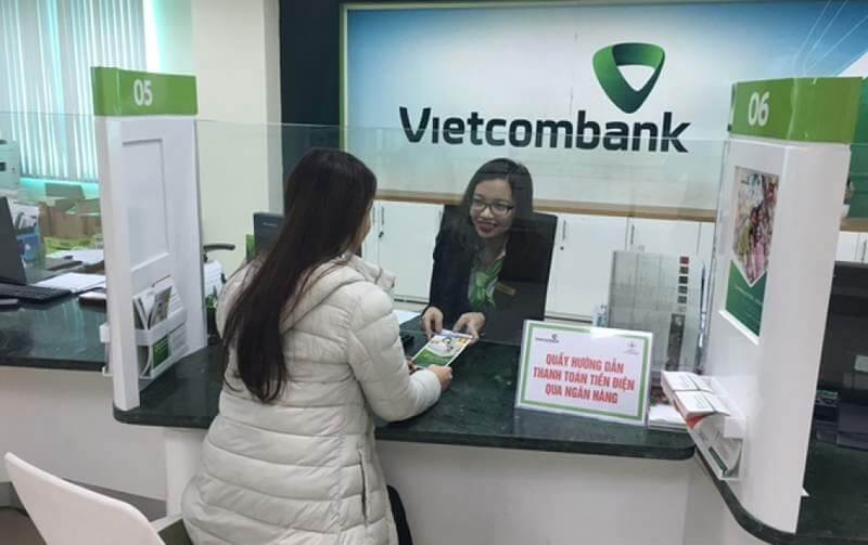 Đến rút tiền tại ngân hàng Vietcombank cần chú ý những gì?